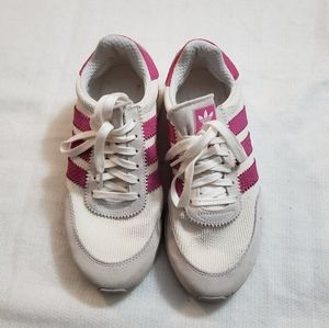 Adidas sneakers size US 7